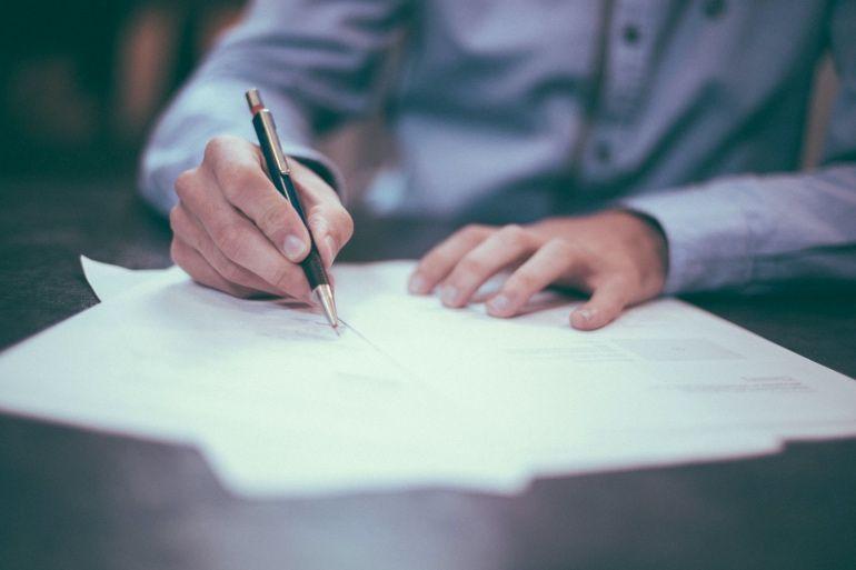 Décès du locataire : droits des héritiers et succession répudiée