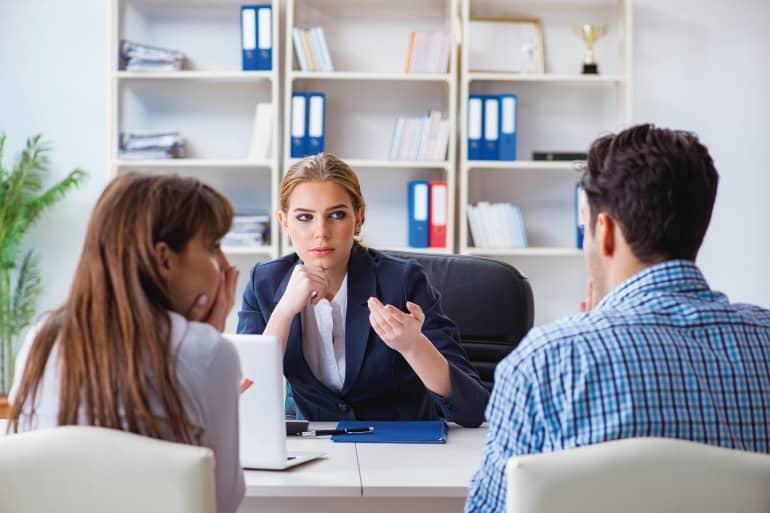 Droit immobilier : en cas de divorce, rachat de la part de copropriété du conjoint ou vente aux enchères ?